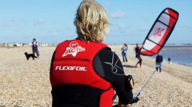 Branson Kitesurfs the Channel (nearly..)